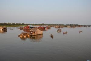 1524 - 11 02 2014 - CBD - Lac Tonle Sap - Déménagement